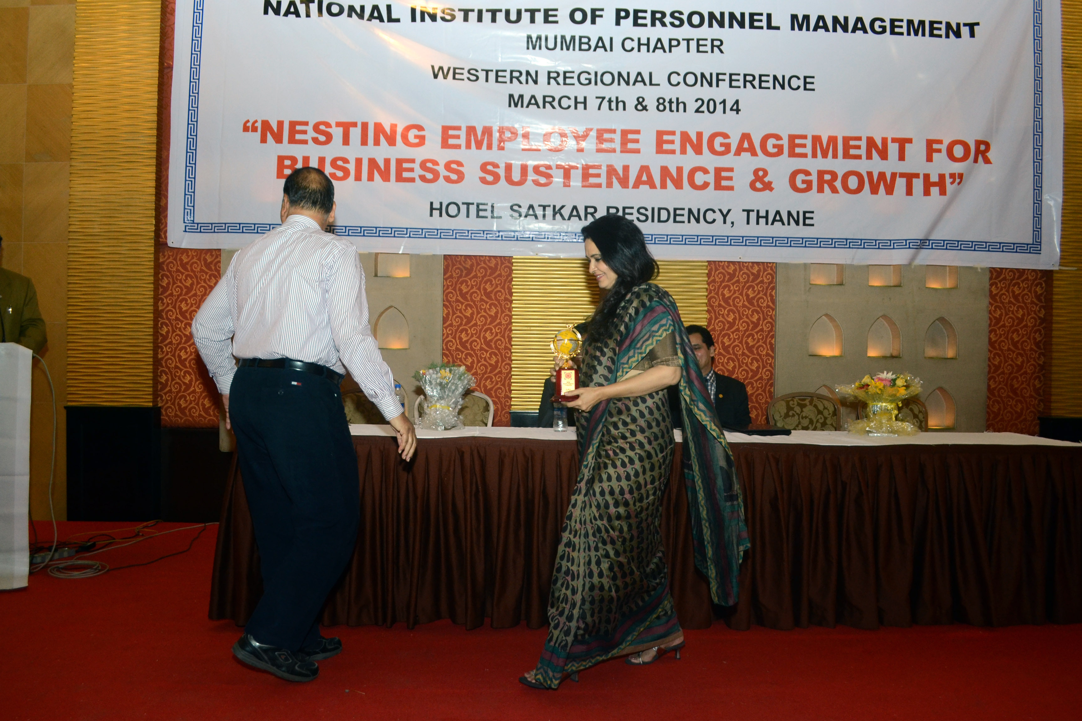 Leads the conference of Association of HR Professionals in India